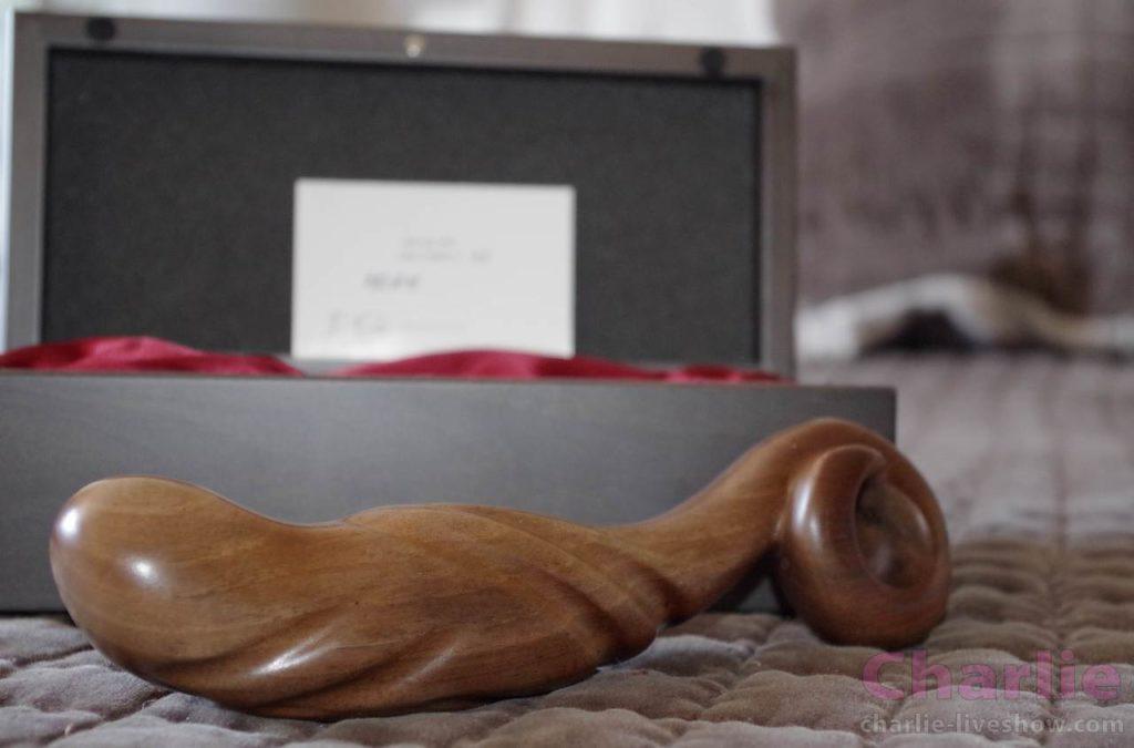 Sextoy de luxe en bois, ADAM par Idée du Desir