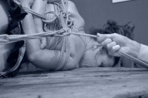 Shibari, initiation délicate au plaisir des cordes