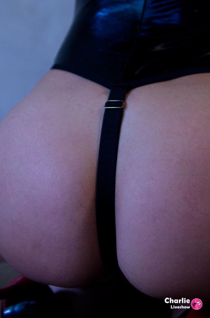 09 - body-daring-lolitta-17-0108-04.jpg