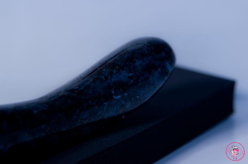 masseur-vaginal-en-pierre-laid
