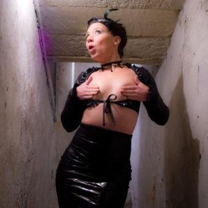 DEMONIQ-lingerie-fetish-tenue-14